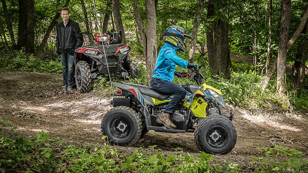 ДЕТСКИЙ КВАДРОЦИКЛ POLARIS OUTLAW 110 EFI LIME SQUEEZE  Артмото - купить квадроцикл в украине и харькове, мотоцикл, снегоход, скутер, мопед, электромобиль