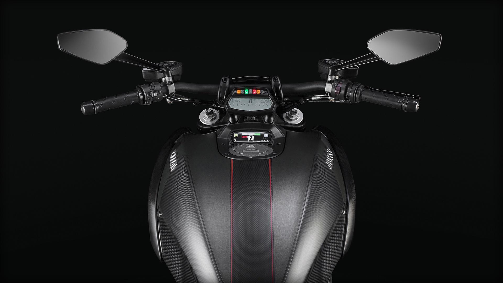 МОТОЦИКЛ DUCATI DIAVEL CARBON  Артмото - купить квадроцикл в украине и харькове, мотоцикл, снегоход, скутер, мопед, электромобиль