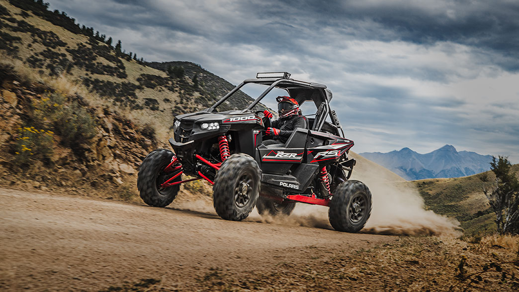 2018-rzr-rs1-black-pearl_six6284_02190