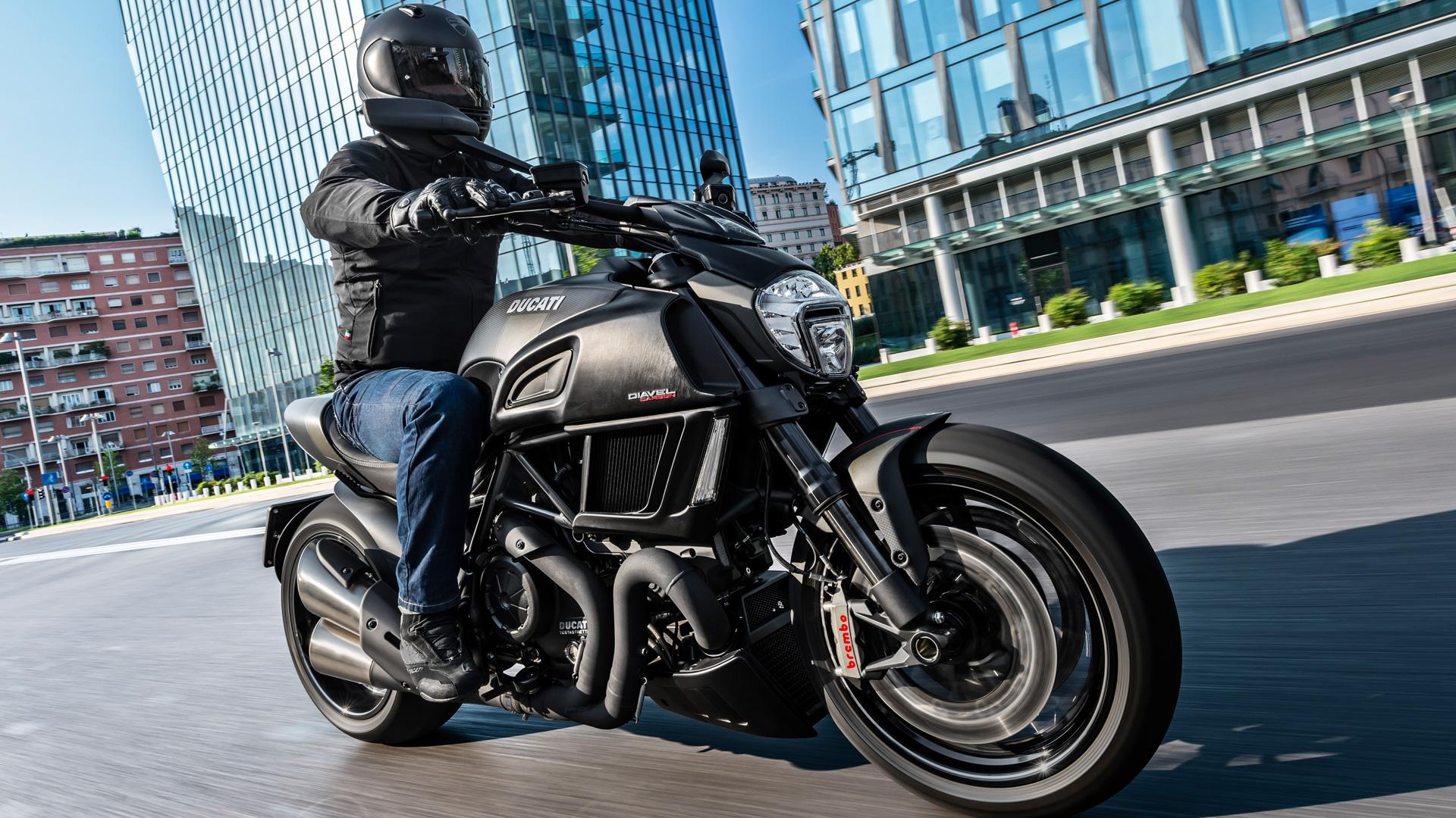 МОТОЦИКЛ DUCATI DIAVEL CARBON 2018 ― Артмото - купить квадроцикл в украине и харькове, мотоцикл, снегоход, скутер, мопед, электромобиль