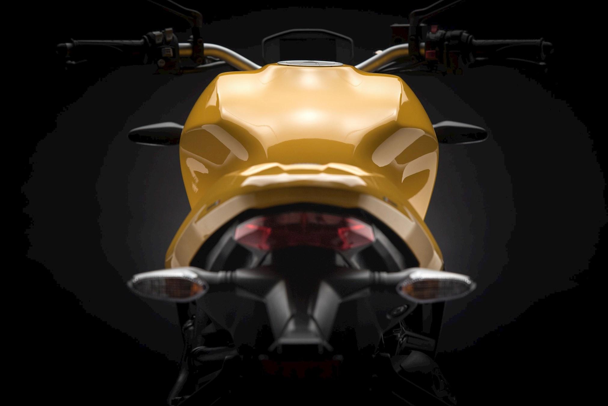 МОТОЦИКЛ DUCATI MONSTER 821 2018  Артмото - купить квадроцикл в украине и харькове, мотоцикл, снегоход, скутер, мопед, электромобиль