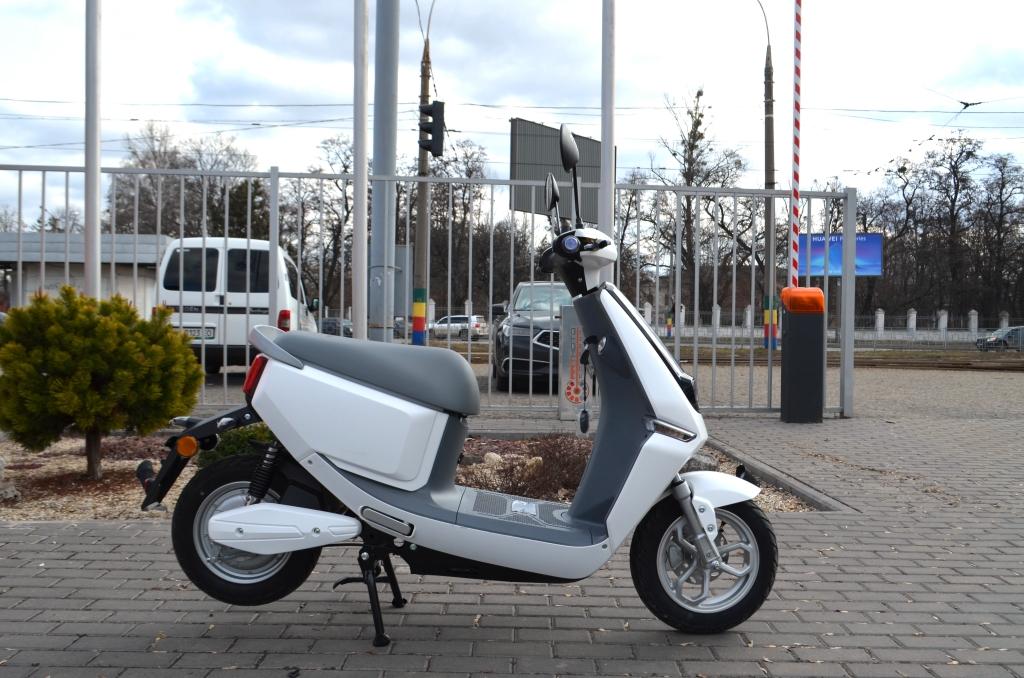 ЭЛЕКТРОСКУТЕР YADEA C-LINE ( AGM ) ― Артмото - купить квадроцикл в украине и харькове, мотоцикл, снегоход, скутер, мопед, электромобиль