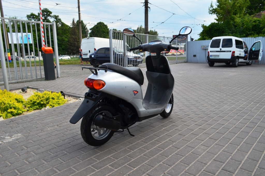 МОПЕД HONDA DIO FIT AF27 SILVER ― Артмото - купить квадроцикл в украине и харькове, мотоцикл, снегоход, скутер, мопед, электромобиль