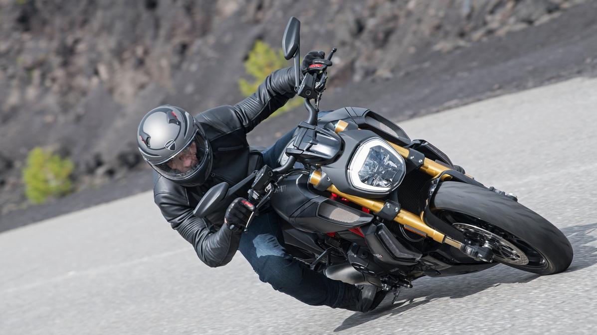 МОТОЦИКЛ DUCATI DIAVEL 1260 S ― Артмото - купить квадроцикл в украине и харькове, мотоцикл, снегоход, скутер, мопед, электромобиль