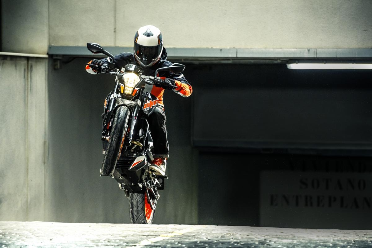 МОТОЦИКЛ KTM DUKE 200 No ABS  Артмото - купить квадроцикл в украине и харькове, мотоцикл, снегоход, скутер, мопед, электромобиль